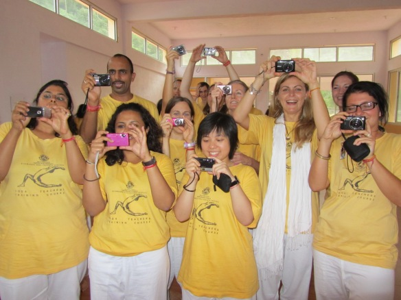 The Yellow Paparazzi - ruthless in their quest for the shot!