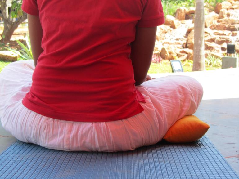 Small cushion can be sat upon or used under the knee.